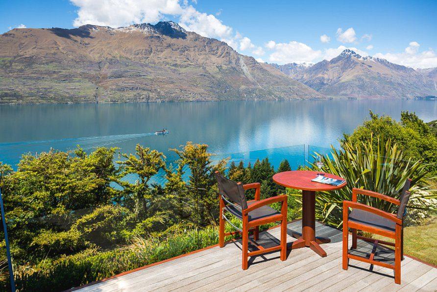 deck-chairs-tss-w950h595